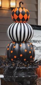 pumpkinsstacked